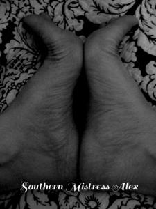 SMA_FeetInsideArches